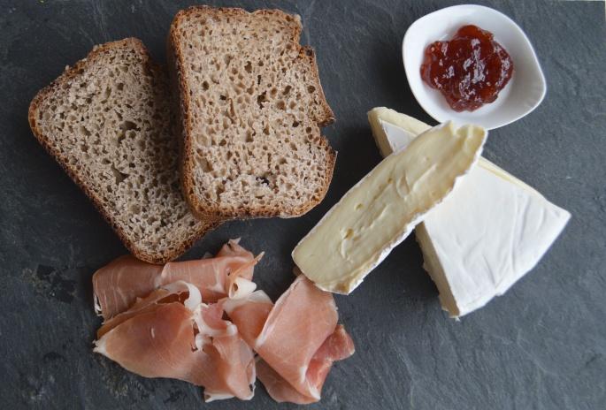 winter-of-67-desayuno-tostadas-queso-jamon.JPG