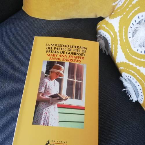 winter-of-67-la-sociedad-literaria-del-pastel-de-patata-de-guernsey-amry-ann-shaffer-annie-barrows.jpeg